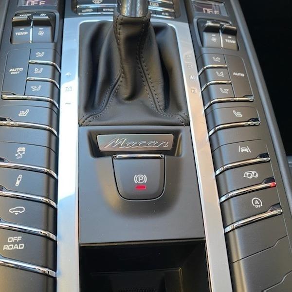 NEW PORSCHE MACAN GTS 380cv